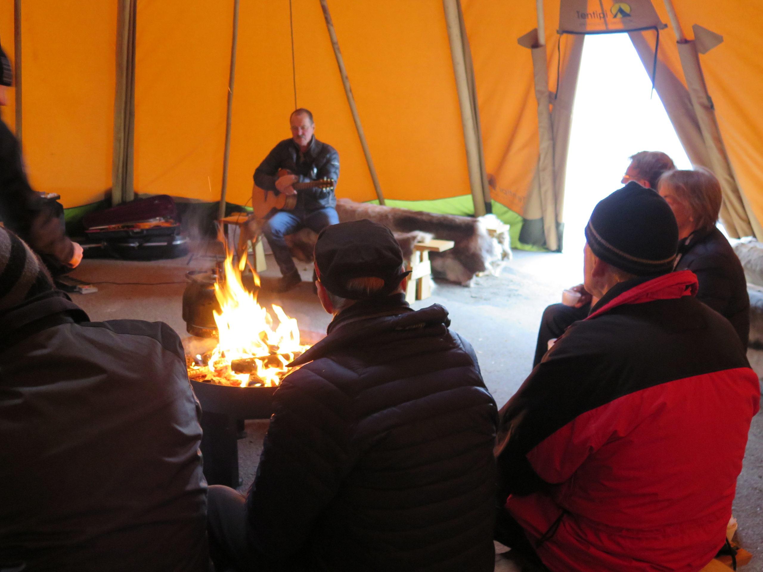Janne Krantz sjöng och berättade historier.